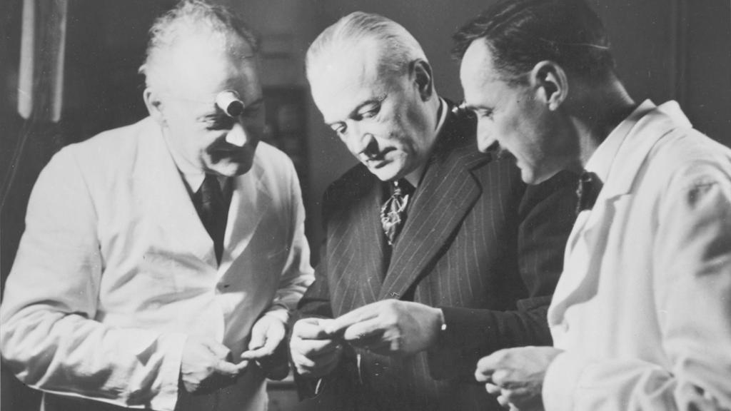 Hans Wilsdorf was an inspirational leader with an unshakeable faith in those around him to innovate and set new standards. Rolex watches are testament to his success in leading by example and motivating others to give their best. Discover more https://t.co/RqfMrXlx3H #Perpetual https://t.co/h1iXW5NhVl
