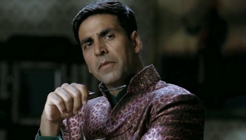 Teri Aankhe Bhool Bhulaiya, Baatein Hai Bhool Bhulaiya Tere Sapnoo Ki Galiyon Mein, I Keep Looking For You Baby.  Bhool Bhulaiyaa is the best Horror comedy movie of India  Comic timing of @akshaykumar sir in this movie is out of the world    #AkshayKumar<br>http://pic.twitter.com/mPjn9nQ6V4