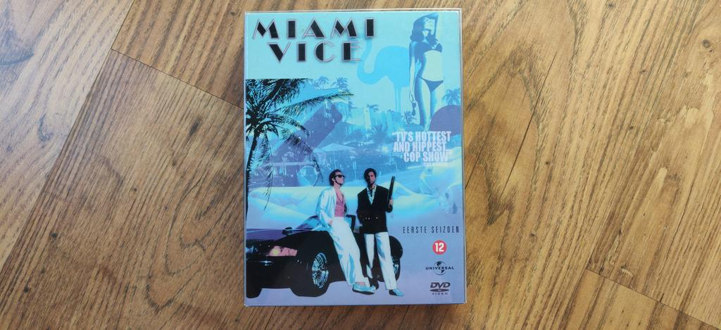 Tonight! #Rewatch #MiamiVice <br>http://pic.twitter.com/z9y36qkLhA