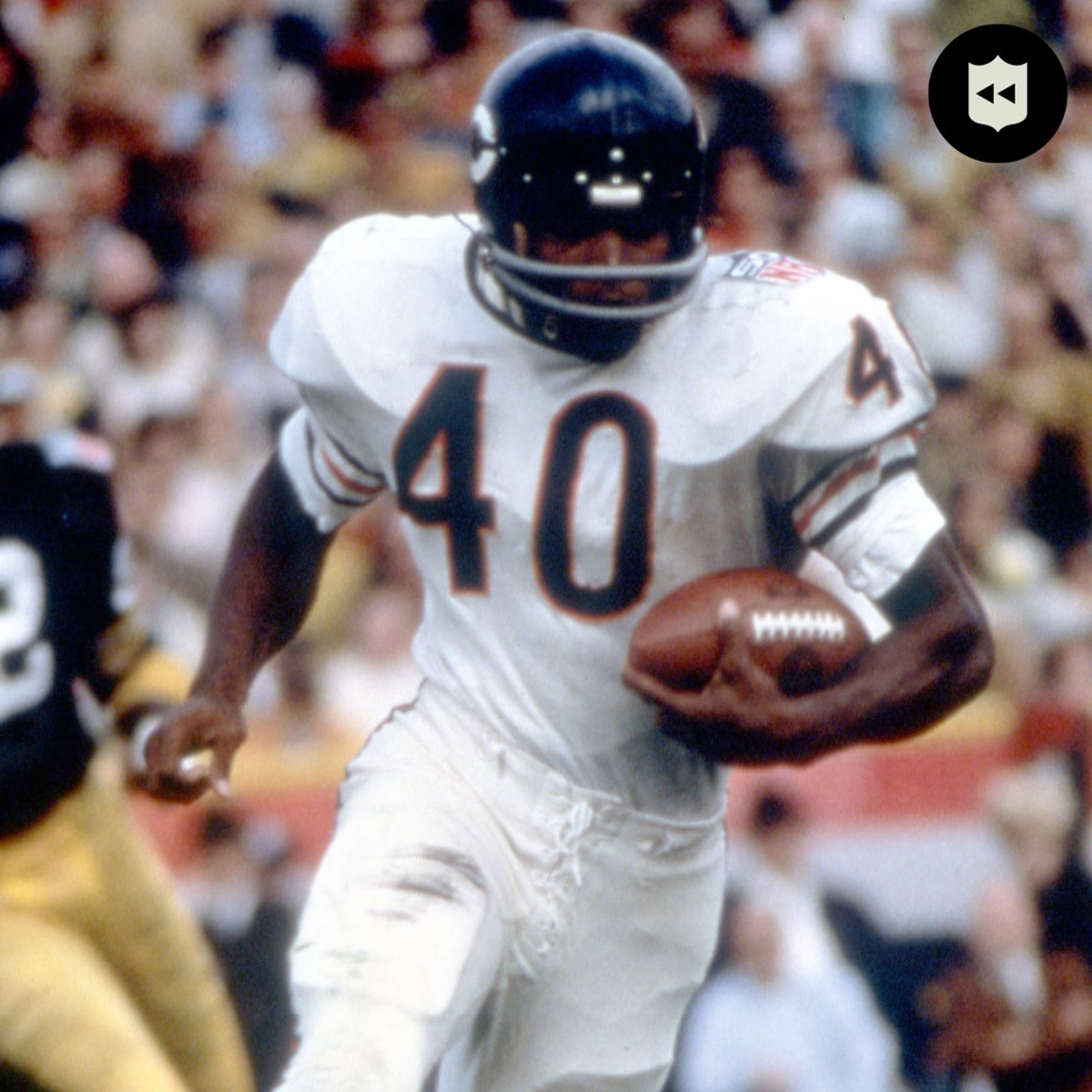 Wishing @ChicagoBears legend Gale Sayers a happy 77th birthday! 🎂 https://t.co/ZWQcwK32nl