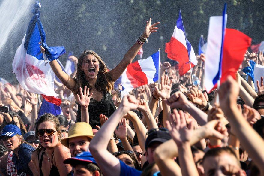 ANNULATION DE L'ORAL DE FRANCAiS : on est en vacances les reufs  #Blanquer #EdouardPhilippe <br>http://pic.twitter.com/rYrm2O3lD9