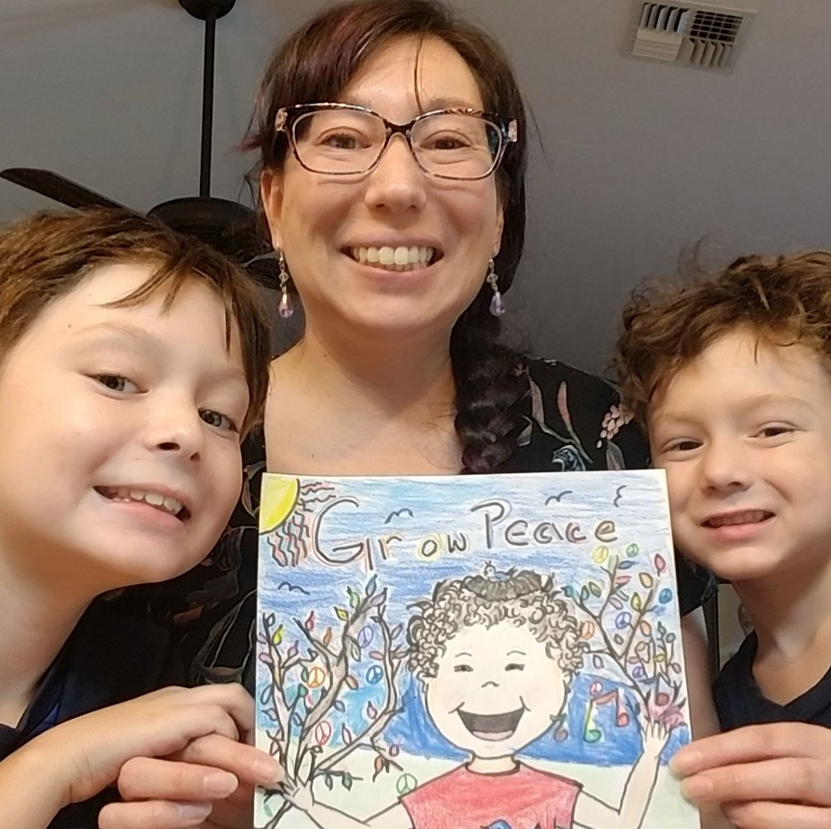 test Twitter Media - How does your family grow peace? The Lions Peace Poster Project encourages children and adults of all ages to share their vision of peace using the hashtag #PeacePoster on social media. ☮️🎨 https://t.co/XBvivTFmML