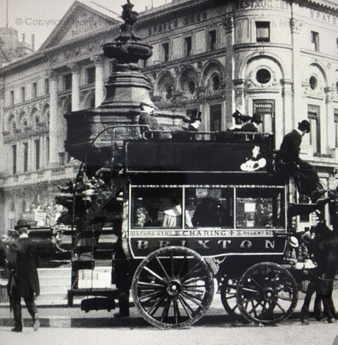It's Thursday so we're turning back time (not literally) to Piccadilly Circus 1895, when horses and horse drawn carts were the most common form of transport in London.  📸: @chrisrwer on Instagram  #PiccadillyCircus #ThrowbackThursday https://t.co/ieFWIGmoLj