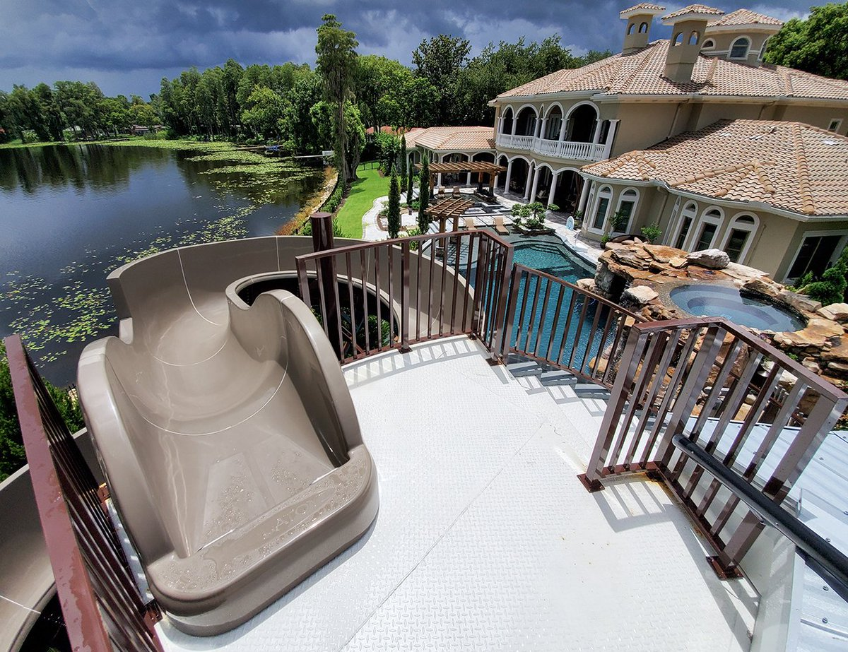 Tonight on DIY Network at 10pm EST - From Mild to Wild 2 hours special. If you haven't seen it, it is one of our most epic pools.  #insanepools #lucaslagoons #frommildtowild #luxurylifestyle #pooldesign #poolbuilder #tbt #waterslide #poolparty #poolpic.twitter.com/fWSgnhomnd