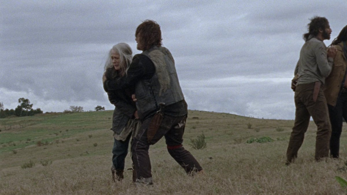 F*CK. SUCH A MOMENT. There are no words. #TheWalkingDead #s09e15<br>http://pic.twitter.com/B0v3PxWkwt
