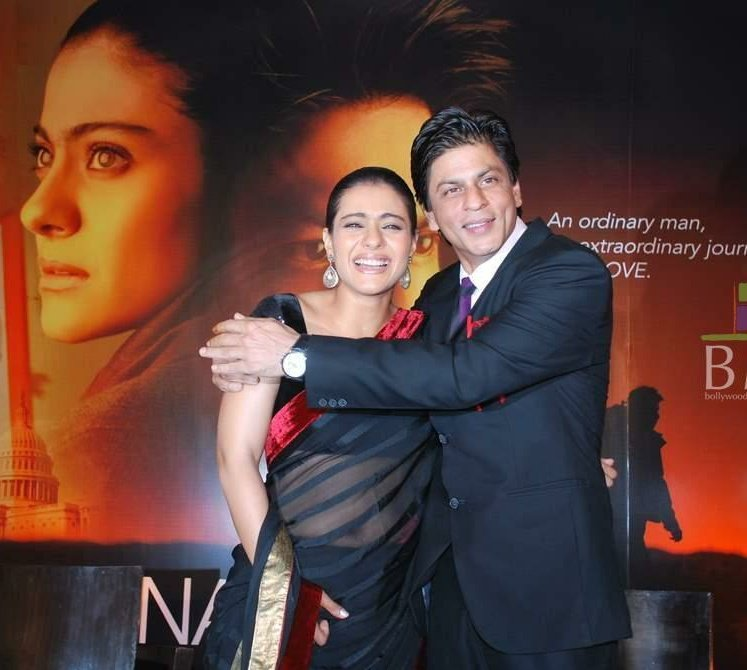Throwback To 2010, First look of #MyNameIsKhan launch.   #SRKajol #Kajol #ShahRukhKhan @iamsrk @itsKajolD #pinkvilla #indianfilm #Bollywood #couplegoals #KaranJohar #love pic.twitter.com/XLQPK7NGzUpic.twitter.com/nbW1EkQCOC