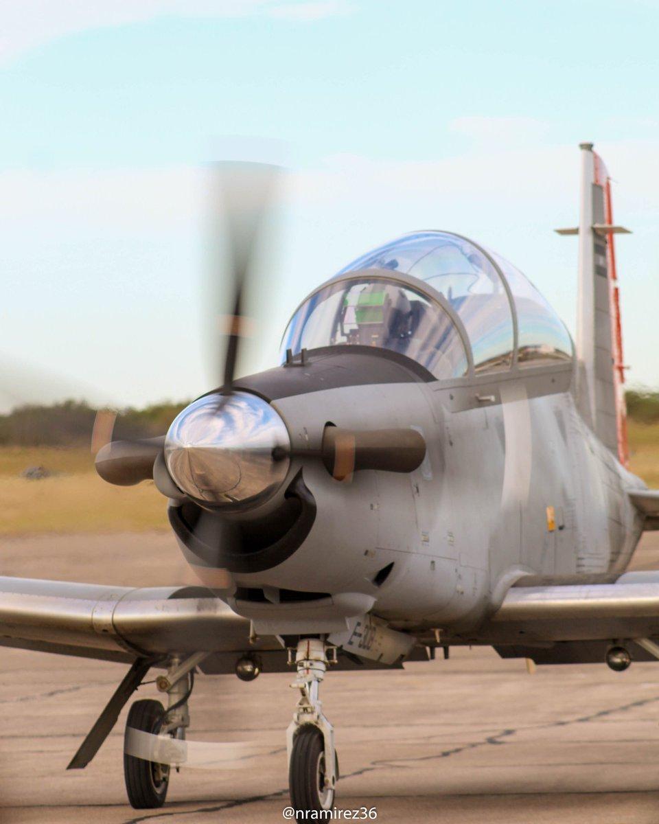 Texan  #spotter #spotting #aviones #aviationphoto #avgeeks #avgeek #canonspotters #aviationpics #airplane #pucara #texanpic.twitter.com/boxM9e8RF9