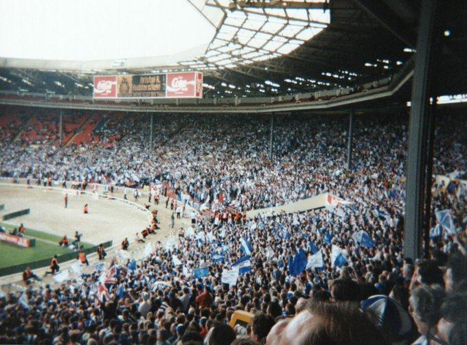 ON THIS DAY 1995: Bristol Rovers at Wembley for their game against Huddersfield Town #BristolRovers