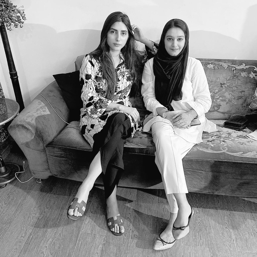 People of Pakistan only if we unite we can defeat the influential.   Uzma needs your voice!  With you all the way. @uzmaaaK #UzmaKhan https://t.co/70FqhlLuHV