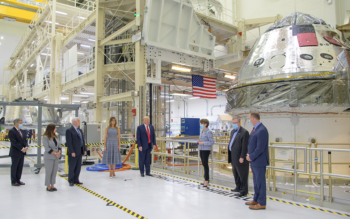 Thank you President @realDonaldTrump, Vice President @Mike_Pence, @FLOTUS, and @SecondLady, @NASA Administrator @JimBridenstine, and @LockheedMartin's Marillyn Hewson and Mike Hawes for touring Orion's spacecraft factory at @NASAKennedy. https://t.co/LBnS0kkFaV