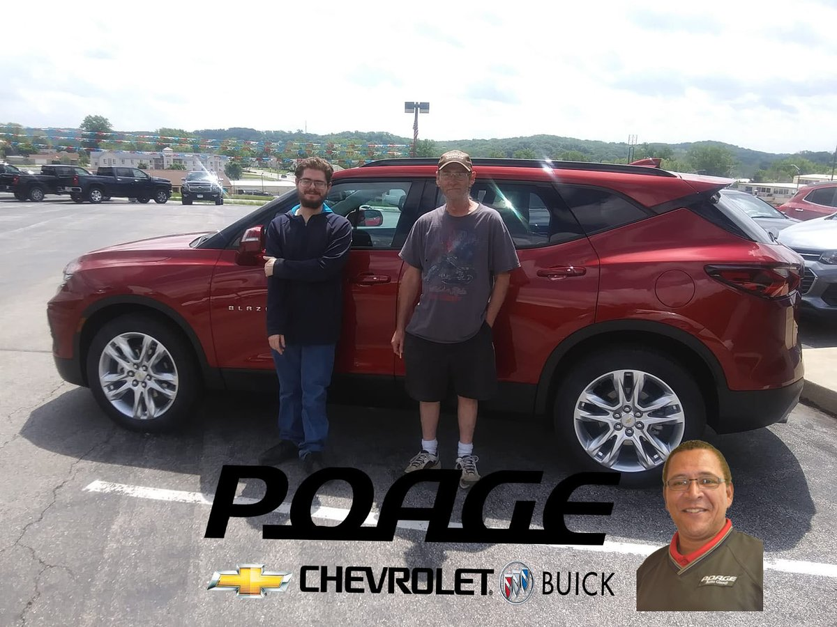 Scotty Cockrell is at it again! Taking care of his customers & getting them into a #Chevy! Thanks again to the Grant Family on your #TrailBlazer,The Hipkins Family on your #Silverado & the Miller Family on your #Malibu.  #AmericasHomeTown #1HometownDealerInTheWorld #PoageFamily pic.twitter.com/FsMFM7RlUs