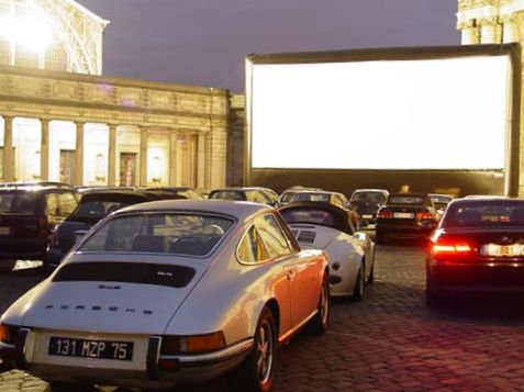 Drive back to the 50's as drive-ins come back into popularity! https://t.co/mCjfq5sUM0 https://t.co/Q30HrRbh4u