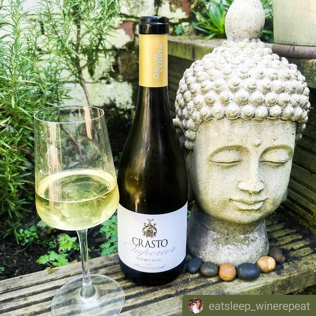 In these difficult and very hot times, have a #Zen attitude ! A fresh #Crasto Superior White helps !!  . Photo: ©Janina Doyle All rights reserved. .  #WhiteWine #Douro #Portugal #Vinhos #Wines #Wein #Weine #Vin #Vins #Vino #ワイン #와인 #вино #Viini #WinesofPortugal #UKpic.twitter.com/ojIp5GYkRB