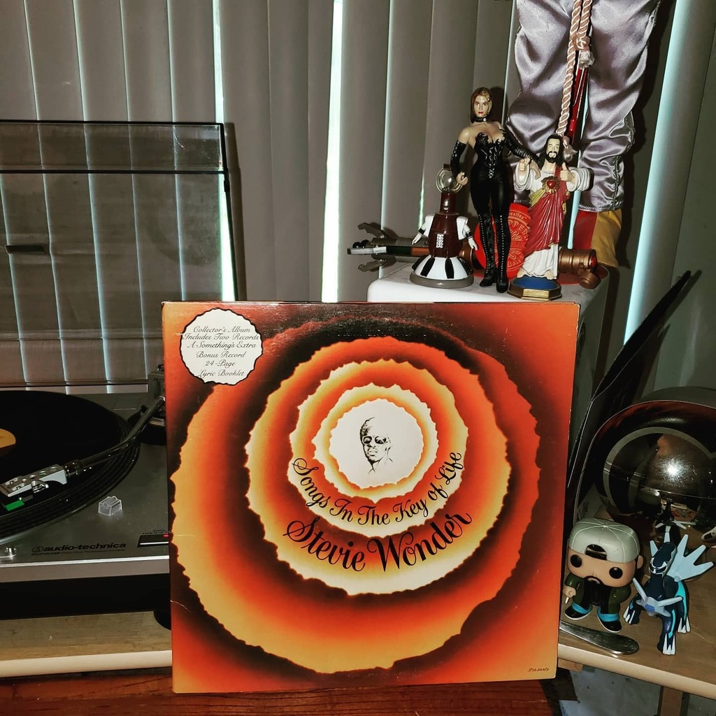 Stevie Wonder - Songs In The Key Of Life  #steviewonder #lp #vinyl #nowlistening #nowspinning #vinylcollection #33rpm #vinylrecords #vinylcollector #vinylcommunity #recordcollection https://instagr.am/p/CAvdfhKplA8/pic.twitter.com/V7nZ0SR7hY