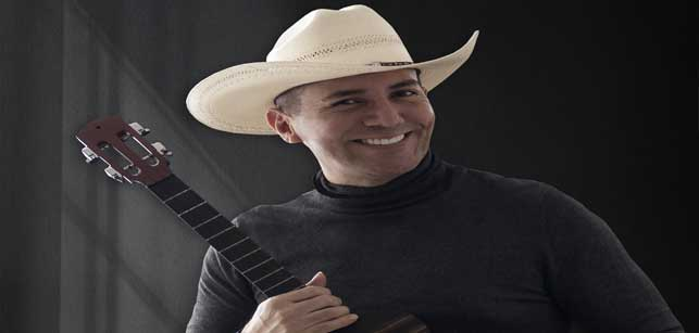 "Javier Eduardo le #canta al ""Amor de los amores"" http://bit.ly/36CvAf2pic.twitter.com/ZmvCVdyb1q"