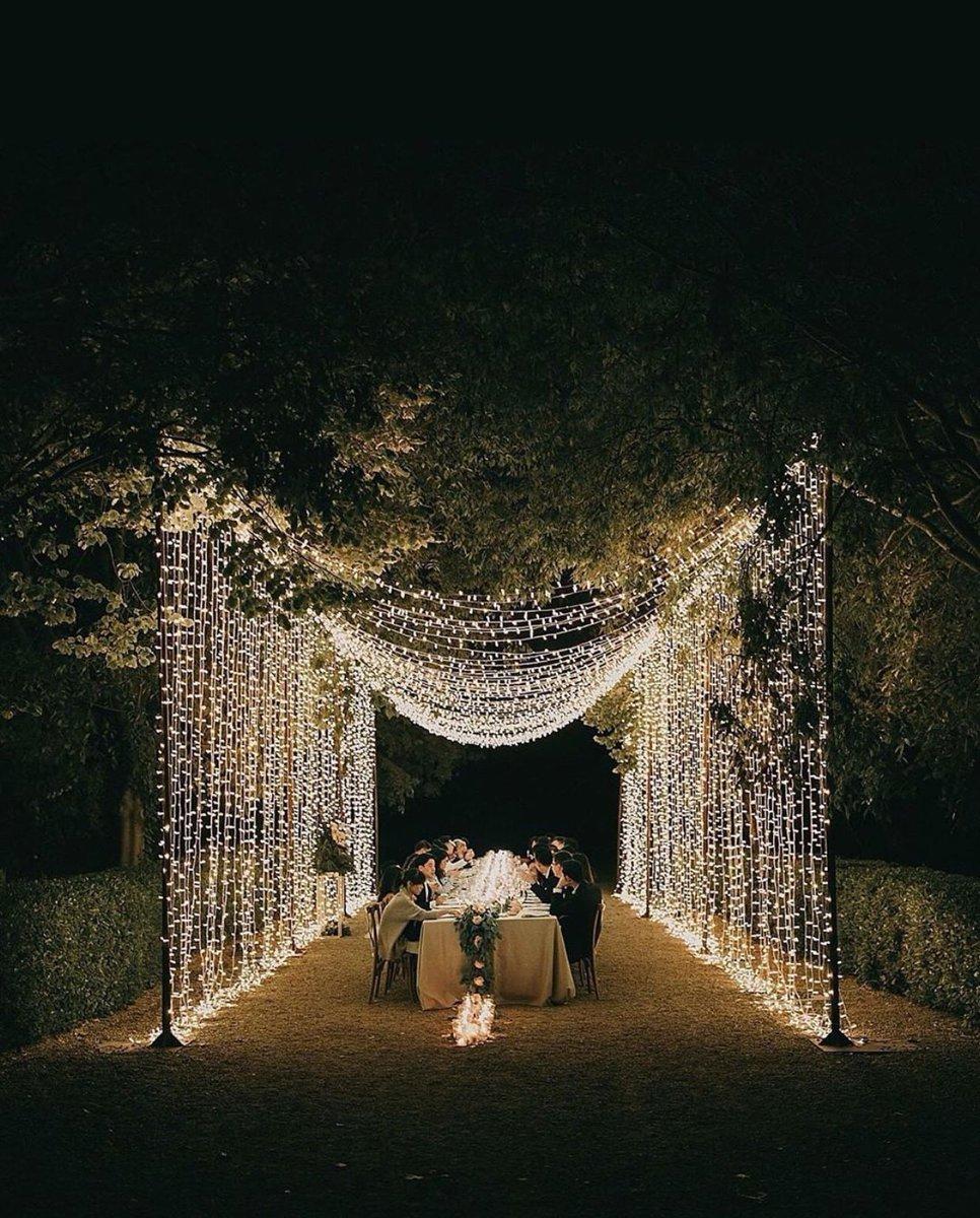 Magia es rodearte de los tuyos y disfrutar cada minuto juntos #boda #bodas #wedding #weddings #casament #casamento #casamiento #marriage #mariage #matrimonio #blogdebodas #unabodaoriginal #weddingphoto #weddingphotography @Pablo_laguia pic.twitter.com/WVuq9PSBty