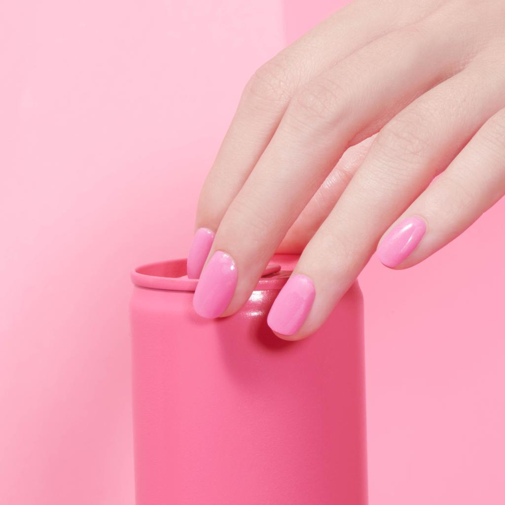 Embrace no chip with dip!  Get excited to visit your #NailTech soon and get a #DipPowder mani for long-lasting nails. We love #OPIPowderPerfection, a gel and acrylic alternative. #OPIObsessed #LongLastingNails #HealthyNails #NailTrends  https://bit.ly/2X4e549pic.twitter.com/EHf26UirSU