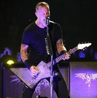 James Trussart Explorer Steel X #guitars . #guitar_hetfan #GuitarPorn #Metallica #music #mff #metallicafans #metclub  #guitarist  #metallicafamily #guitaroftheday #guitarphotography #heavymetal #guitargasm #jameshetfield #instaguitars #guitar #Metal #fun… https://instagr.am/p/CAvjIESnQsu/pic.twitter.com/XFpTG595tB