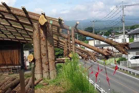 上三原田の歌舞伎舞台が本当にカッコいい。。木の使い方が理に適ってて、この上なく豪快、これは見習いたい(転載元)