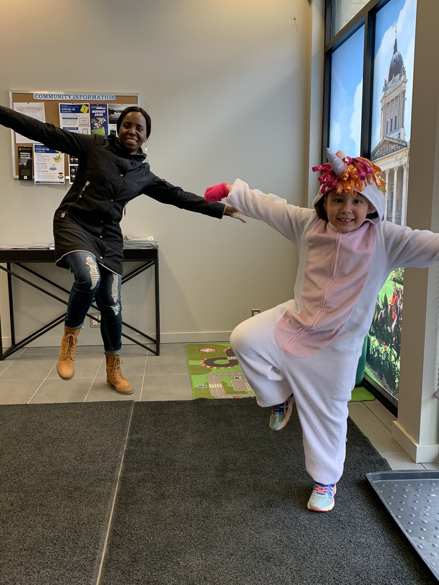 "test Twitter Media - Have you been ninja'd? What a great way to brighten someone's day. Today, I received an invitation from a six year old unicorn 🦄 to join her to, as she says, ""ding-dong and dash!"" And a gift from the unicorn for my bulletin board. #ninja #smile https://t.co/7GQFHtKBBr"