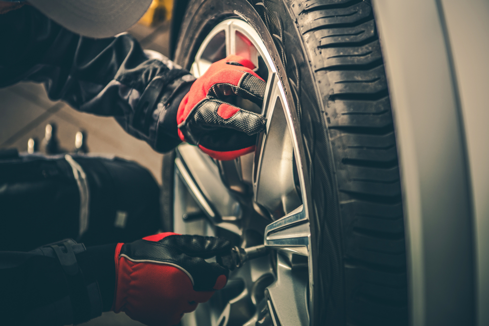 Another Service Special Here!   #TireRotation & Balance with #BrakeInspection for only $49.95!   Properly rotated and balanced tires last longer, improve gas mileage and provide a smoother ride. #PhillipsBuickGMCpic.twitter.com/m7nr0v2tOZ