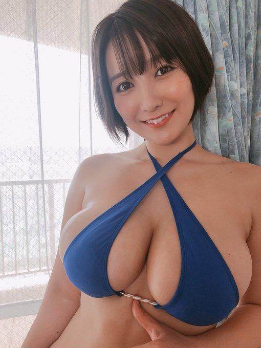 グラビアアイドル紺野栞のTwitter自撮りエロ画像4