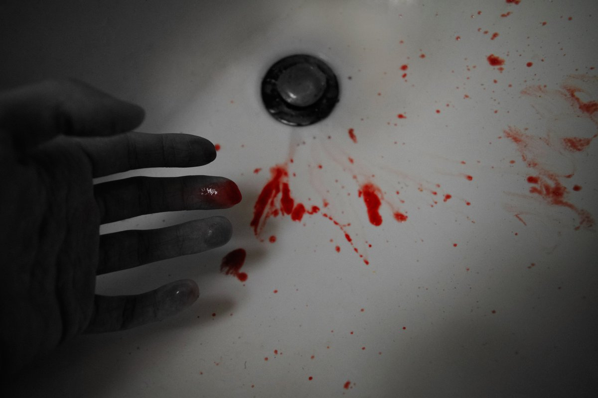 """""""Slipping"""" Don't worry, it is real blood but it was from a bloody nose that I wanted to take advantage of at the time. Not every day you get real blood ya know? #photography #blackandwhitephotography #blood #darkart #artpic.twitter.com/aTU9DSfhNQ"""