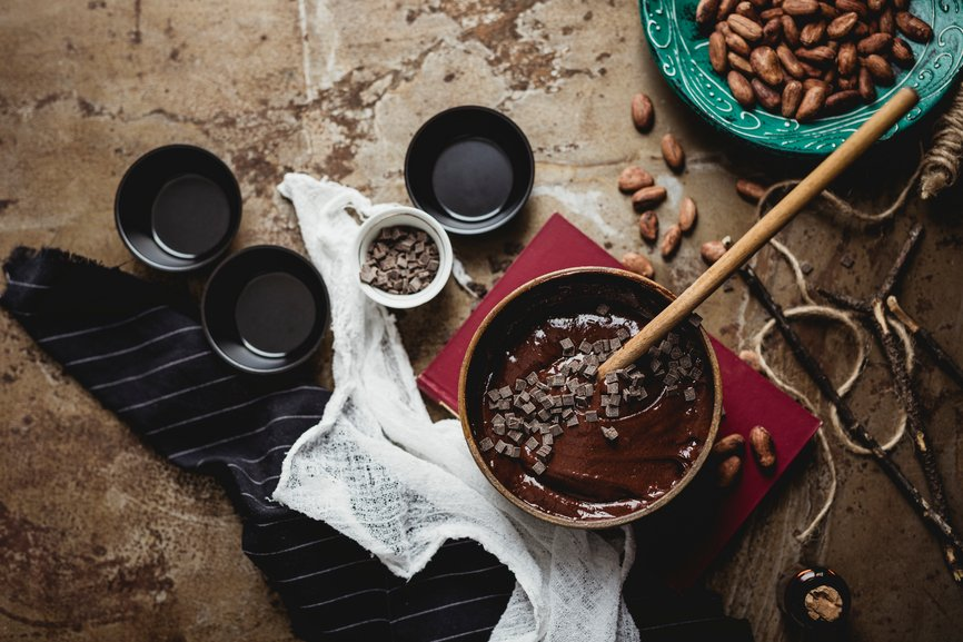 #DYK: Cocoa beans are turned into chocolate first by roasting, then winnowing, then crushing the beans into nibs that eventually become a powder. Something so wonderful takes time! https://t.co/jtAVY8BYAl