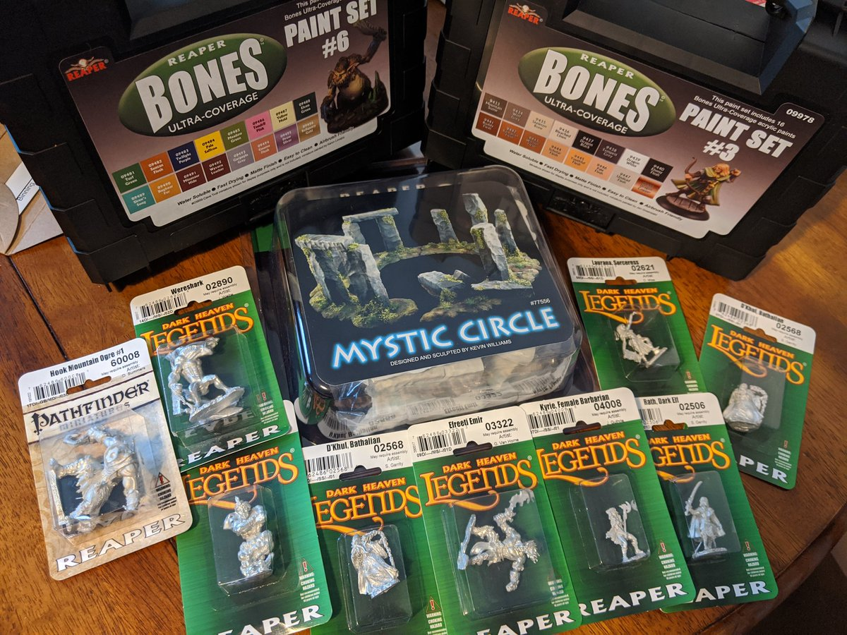 We received our order of goodies from @reapermini so many lovely things!   #reaperminiatures #reaper #miniatures #miniaturepainting #minis #hobby #art #painting #artpic.twitter.com/CpNbFH9Xhw
