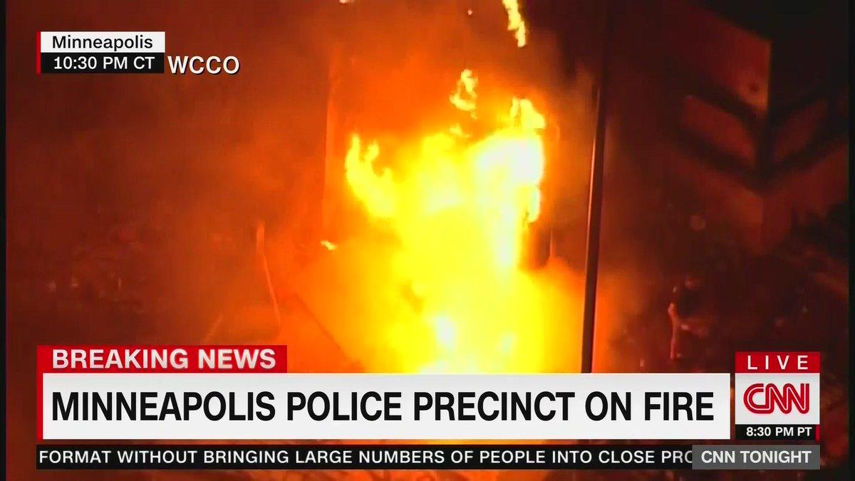 Breaking news on CNN: pic.twitter.com/qpW996ociw