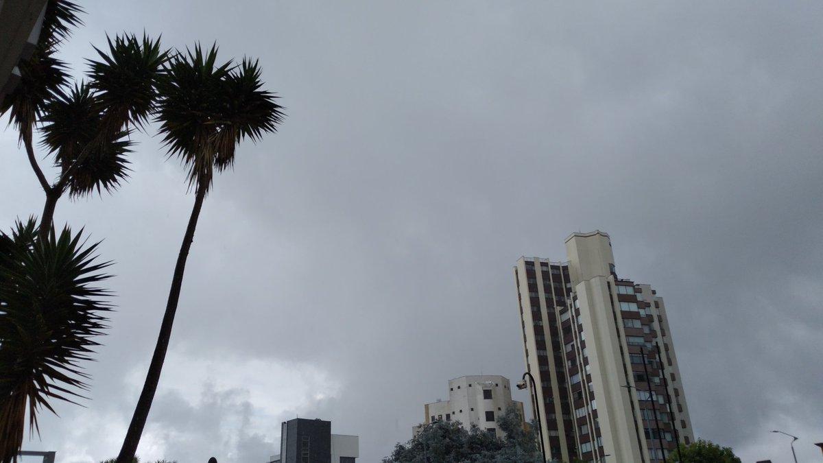 #Manizales #thursdaymorning #day #streetphotographypic.twitter.com/mguriwYnTZ