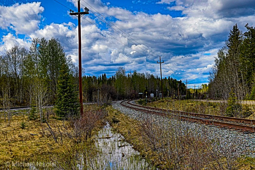 There is something about the railroad I love.  I'd love to go back in time and watch the steam Locomotives on the tracks!  #yeg #roadtrippin #explorealberta #Canon #canoncanada #tuesdayvibes #NaturePhotographypic.twitter.com/7YeQ4zn9Fs