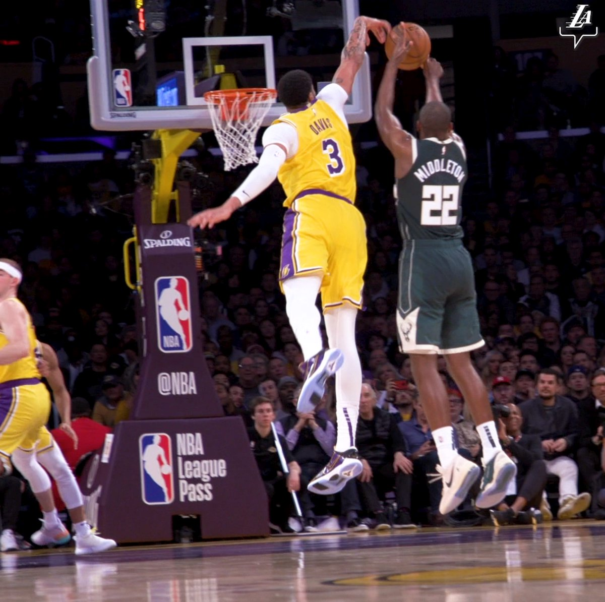 If you're on the court, you're within AD's reach. #BestOfLakersBucks https://t.co/txfVNZkwTW