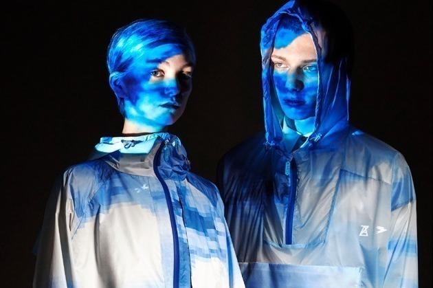 [明日発売] アンリアレイジ×トゥーアンドフローのレインコート&レイングッズ、デジタル粒子の青空をプリント -