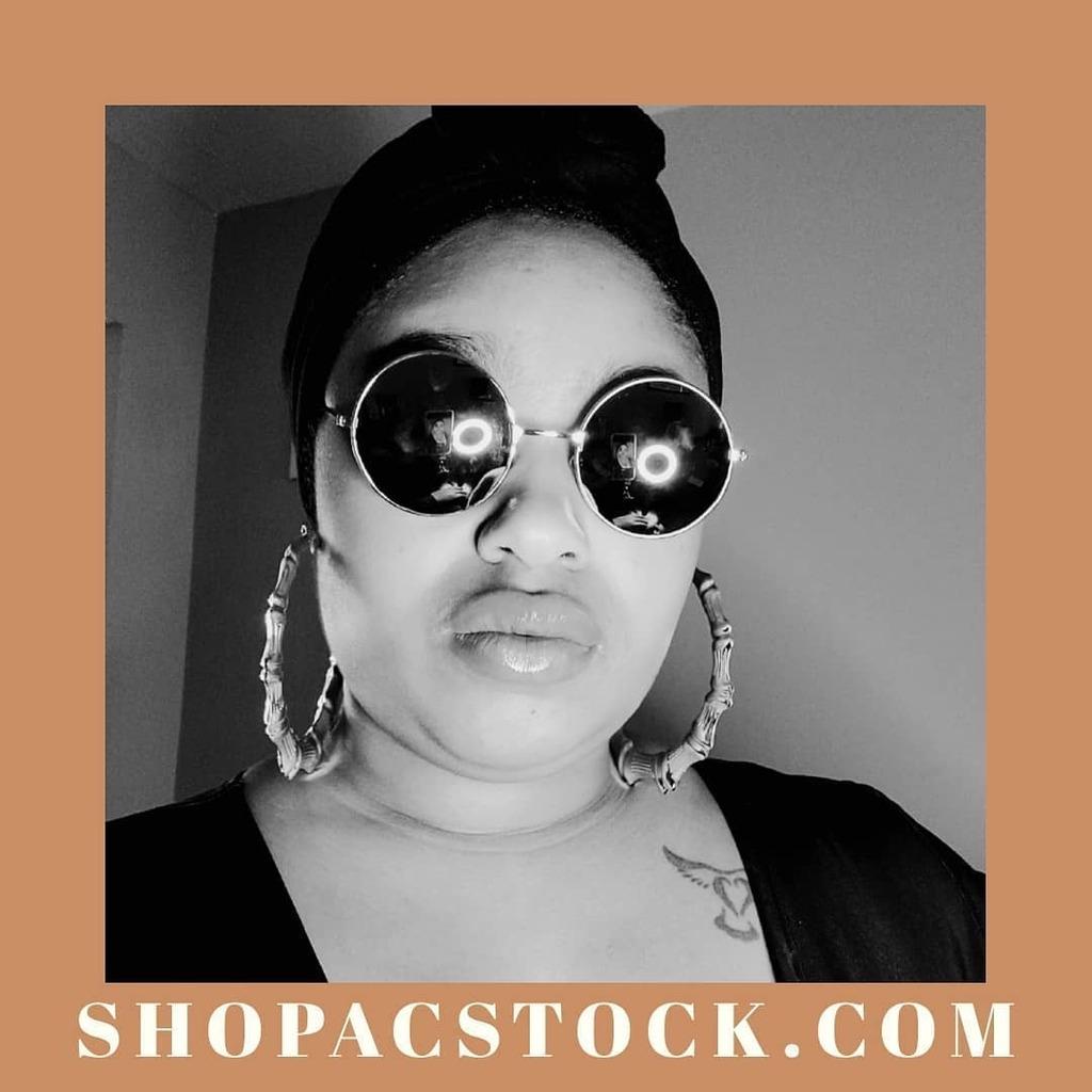 I See It , I Want It , I Get It  . . . . . . . . . . #amazonshopping  #fashionstatement #designerinspired #losangelesfashion #laphotographer #instasuccess #90sfashion #melaninmagic #budgeting #brownmelaninimakeup #makeupispower #naturalmakeuplook … https://instagr.am/p/CAwI_T6h5Vr/pic.twitter.com/HK7FtLuvFv
