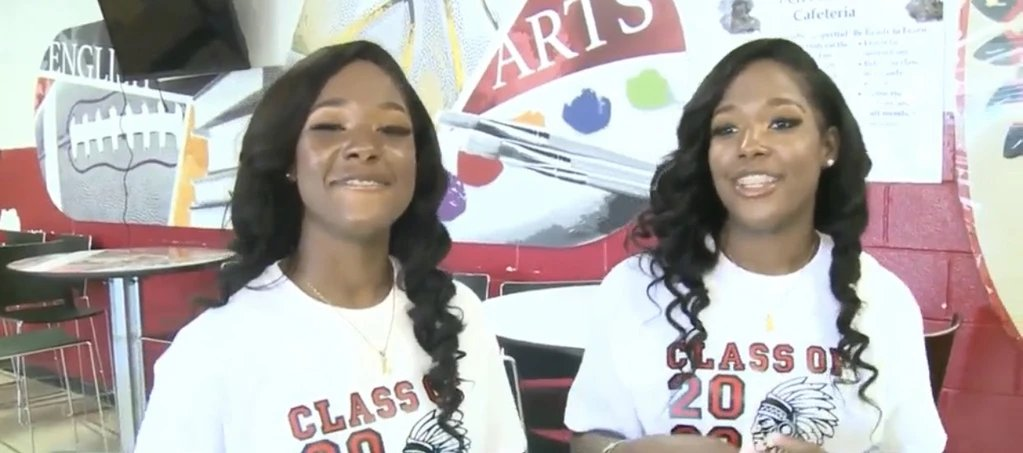 Double dose of Black girl magic! Mississippi Twins Named Valedictorian and Salutatorian With Identical 4.1 GPA http://alturl.com/hxcah   #BlackGirlsRock pic.twitter.com/hUrqIePtIk