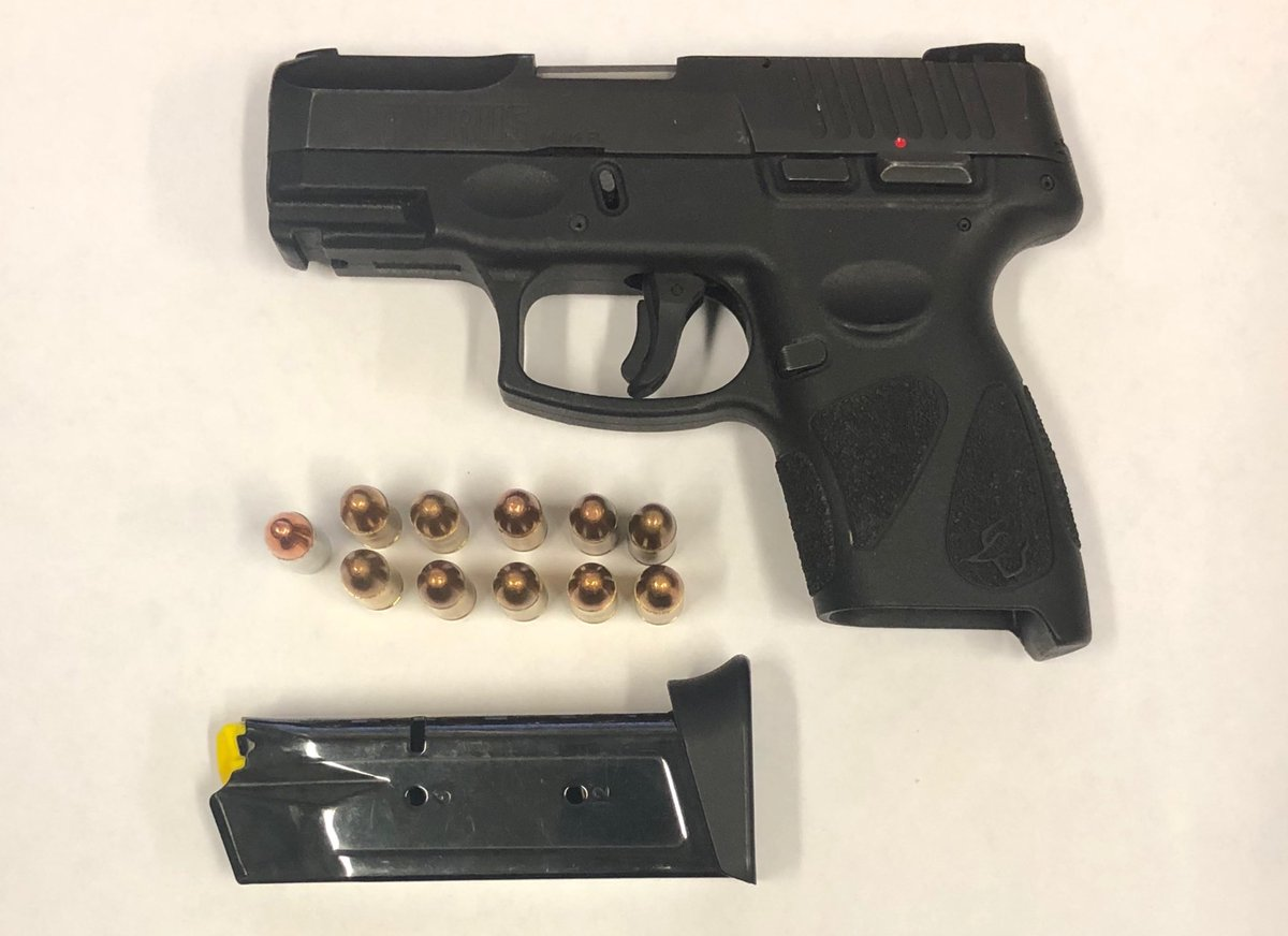 #OneLessGun on the streets of #Southbronx today thanks to our Amazing 3rd platoon crime team who arrested 2 males last night in possession of this illegal firearm.  Despite the effects of the pandemic citywide, arrests have increased as we continue to keep the city safe. pic.twitter.com/b6M9CAP5j9