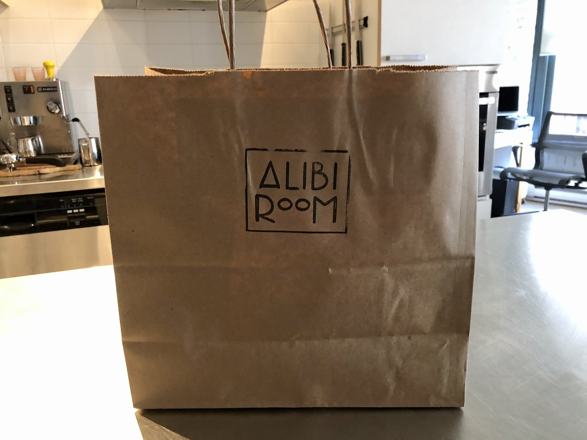 Welcome back, @alibiroom! We missed you. My takeout burger was delicious. Hope to dine in soon when you re-open. #food #gastown #yvr #beerpic.twitter.com/rJYyJRTQxM