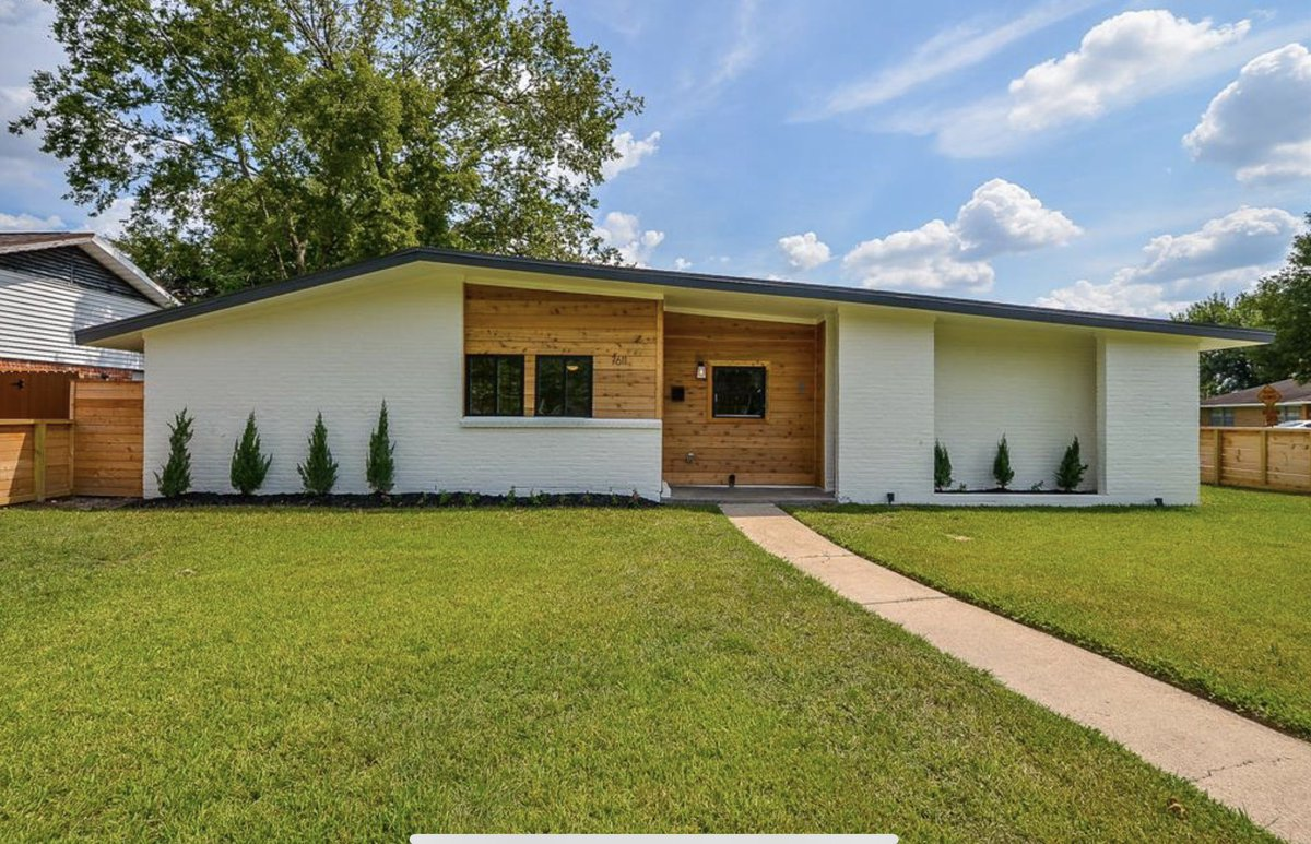 Still love how this flip we did last year ended up! #realestateinvestor #MidCenturyModern pic.twitter.com/DQnid7sxbY