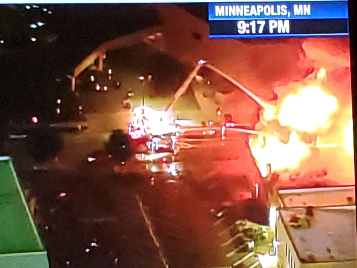 Fire fightets fighting big fire in #Minneapolis as #protest flares up.