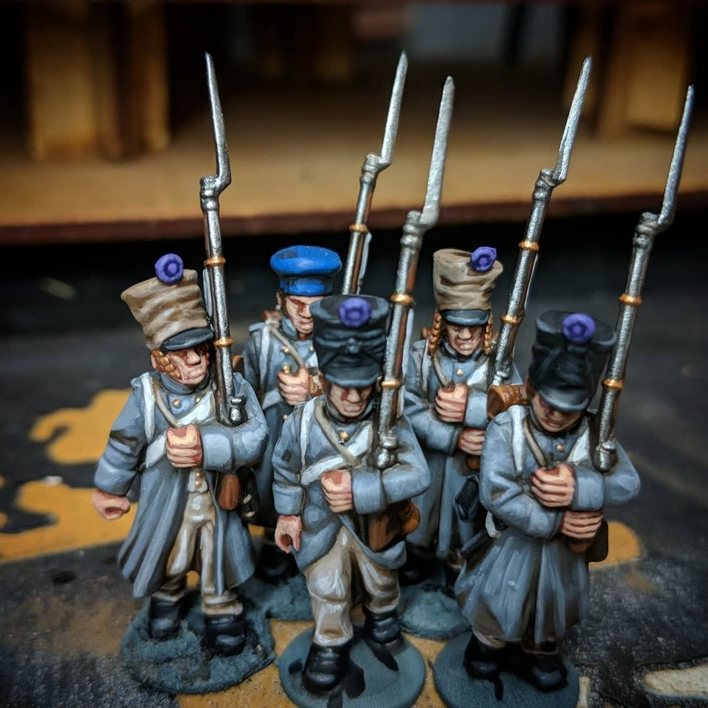 Neckbeard level has officially increased. First of hopefully many French Napoleonics in 28mm. - Andrew #warlordgames #blackpowder #waterloo #napoleonicwars https://t.co/CLe3IhNhRp https://t.co/hIVUAOAMEF