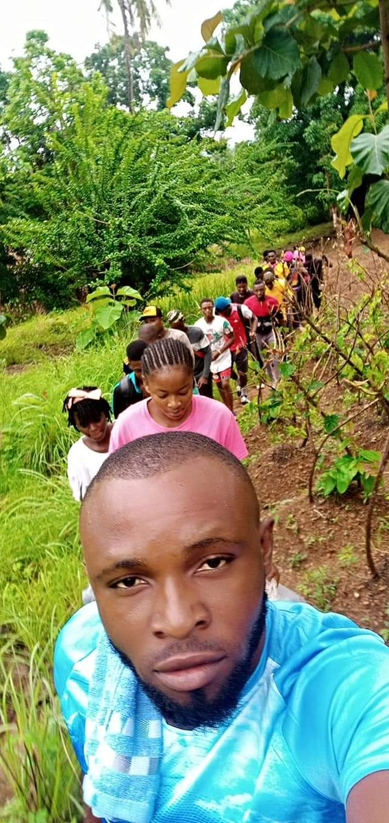 IGEDE HIKERS enjoy the Adventure of a Long walk to Nature today 29th May, 2020. Oju, Benue, Nigeria.  What are you doing on this  democracy day?  The beginning of the journey.  #TheUchenyumExperience #Hike #MountainClimb #Benuetwitter #pic.twitter.com/YKaKTvmSLC