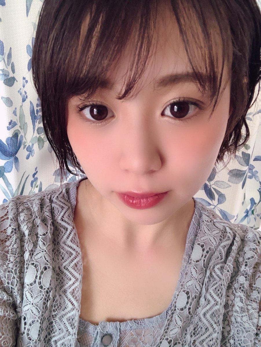【Blog更新】 何かないかなぁ。 高木紗友希: こんばんは〜。Juice=Juiceの高木紗友希です♩なんか離れていてもリモートでみんなで出来る遊びとかないのかなぁ??と思い、最近はそればかり調べています。「離れていても遊べる」「リモート ゲーム」「リモート…  #juicejuice