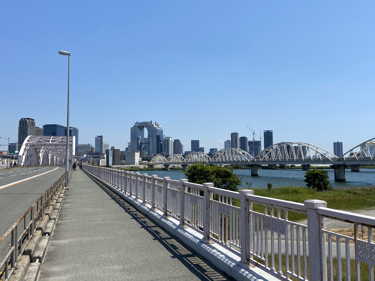 Hey there #Osaka! Crossing Juso Bridge on foot this afternoon! #Japan #springpic.twitter.com/XpmexfBtMB