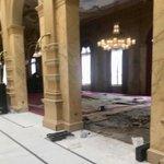 In Sociëteit 'De Witte', d.d. 1782 in Den Haag, waar de tijd 2 eeuwen heeft stilgestaan, waren delen van de vloer aan vervanging toe. We hebben die vloerdelen uitgevlakt, vervangen en nieuw tapijt gelegd. Er kan weer worden gediscussieerd en geborreld op een stabiele basis.