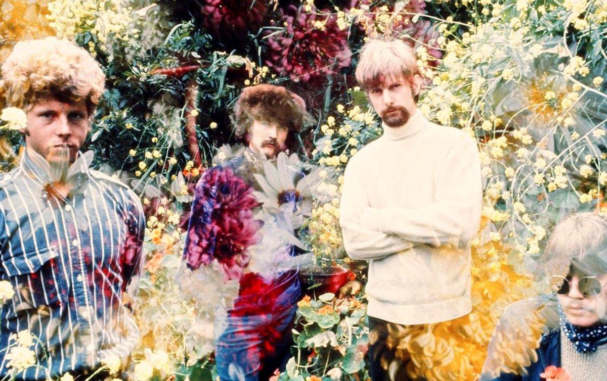 Psychedelic era Byrds c. 1967. #TheByrds #RogerMcGuinn #DavidCrosby #ChrisHillman #FlashbackFriday