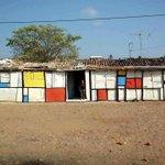 """""""El Arte limpia del Alma el polvo de la vida cotidiana"""" - Pablo Picasso #FelizViernesATodos #art #DeStijl #mondrian #life #beauty  [Image: De Stijl movement. Location: Crato, Ceará, Brazil]"""
