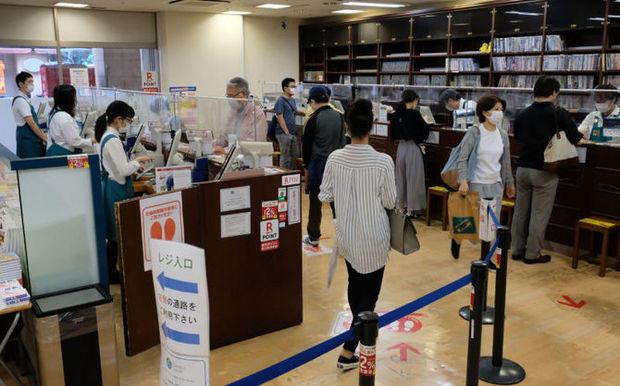 【九州最大規模】ジュンク堂福岡店が6月末に営業休止へ入居ビルの再開発工事中は、近隣に仮移転して営業を続ける方針だったが、条件に見合った物件が見つからず困難になった。