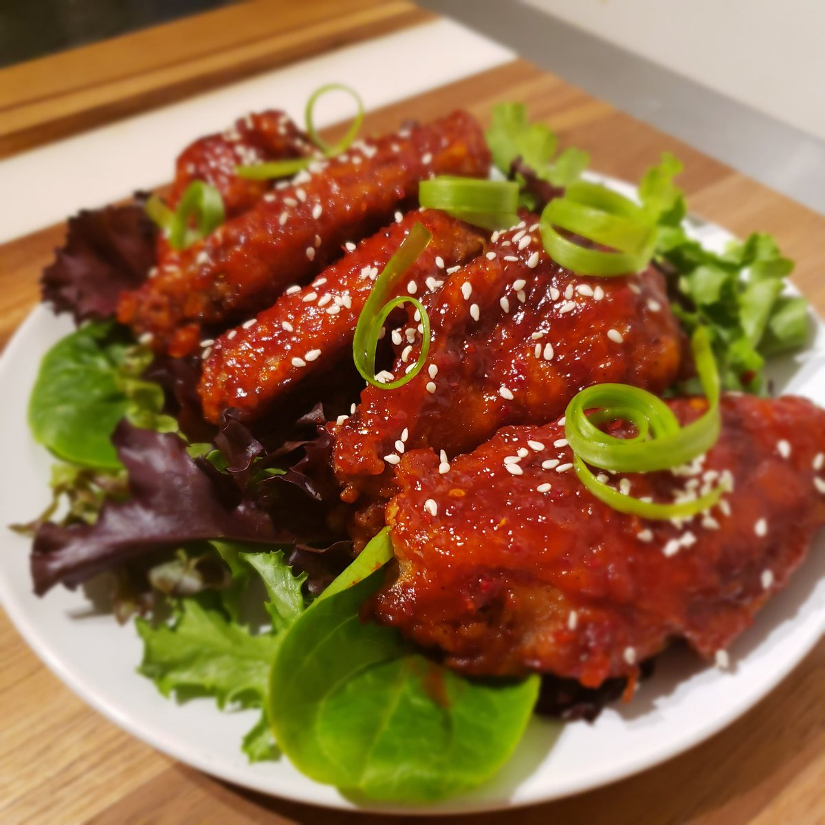 Korean style wings #foodie #food #sweet #foodgasm #hungry #lunch #tasty #delicious #dinner #foodpic #eat #foodporn #islandhutqzine #FreshTweets #foodpics #yum #photooftheday #njfood #trini #caribbean #nj #njfoodie #nycpic.twitter.com/wiITWFvoZj
