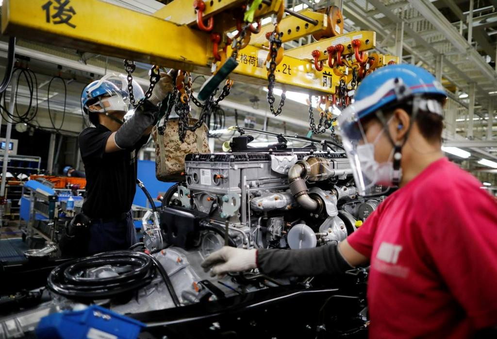 Japan's factory, retail sectors slump as pandemic hits auto sector https://t.co/eRRQ26rlhj https://t.co/8l8uRWJXRg